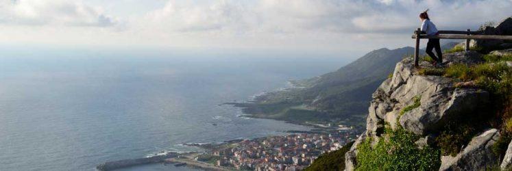 Mirador con vistas al puerto de A Guarda